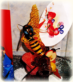 あめ細工作品 「ハチ」